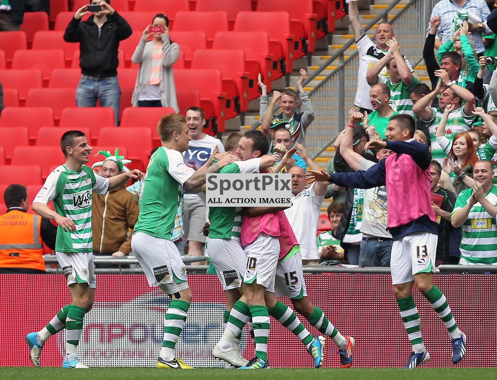 Yeovil celebrate opening goal, Brentford v Yeovil, npower League 1 Pay Off Final, Wembley Stadium © Phil Duncan | StockPix.eu