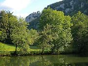 Donau mit Schloss Bronnen, Naturpark obere Donau, Baden-Württemberg, Deutschland.|.Bronnen Castle, nature park upper Danube, Baden-Wuerttemberg, Germany