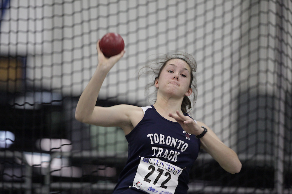 Windsor, Ontario ---12/03/09--- Juliana Bergin of  the University of Toronto competes in the women's pentathlon shot put at the CIS track and field championships in Windsor, Ontario, March 12, 2009..GEOFF ROBINS Mundo Sport Images