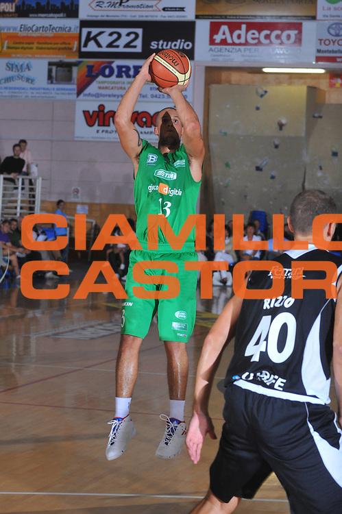 DESCRIZIONE : Montebelluna Treviso Lega A 2009-10 Amichevole Benetton Treviso Carife Ferrara<br /> GIOCATORE : Daniel Hackett<br /> SQUADRA : Benetton Treviso<br /> EVENTO : Campionato Lega A 2009-2010 <br /> GARA : Benetton Treviso Carife Ferrara<br /> DATA : 08/09/2009<br /> CATEGORIA :  Tiro<br /> SPORT : Pallacanestro <br /> AUTORE : Agenzia Ciamillo-Castoria/M.Gregolin