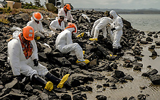 Whangarei-Major clean up of oil spill at Marsden Point Wharf