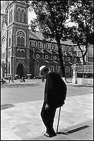 Vietnam. Ho Chi Minh-Ville (Saigon). Cathédrale Notre Dame. // Vietnam. Ho Chi Minh City (Saigon). Notre Dame cathedrale