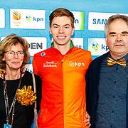 NLD/Amsterdam/20180119 - Inloop premiere Hyena's op het IJs, Dennis de Vries en ouders
