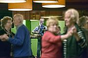 Nederland, Nijmegen, 12-12-2017Dansavond voor ouderen bij het OBG zorgcentrum.Foto: Flip Franssen