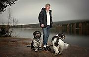 Egil Drillo Olsen, med hundene sine.