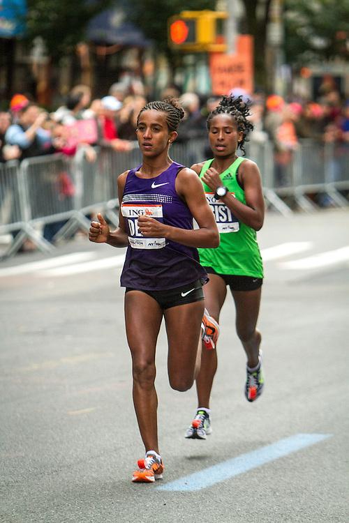 ING New York CIty Marathon: Buzunesh Deba, Ethiopia, Bronx resident, leads race