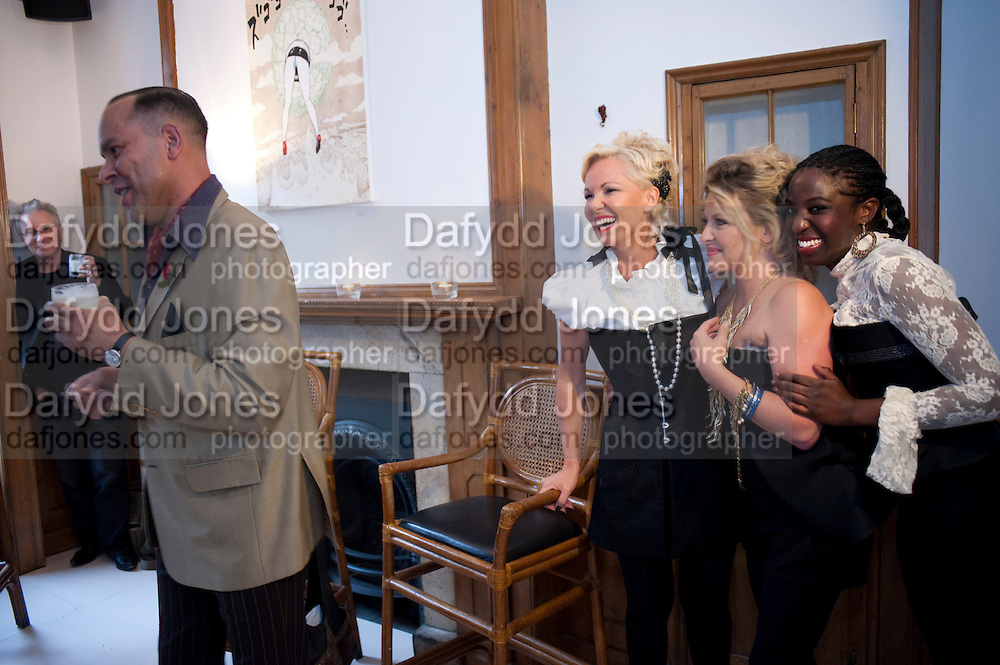 RICHARD DYER; AMANDA ELIASCH; REBECCA BLAKE; MELINDA NAMPIIMA AN EVENING SALON OF ART, POETRY AND BURLESQUE . The Opera Quarter Bar & Supper Club. COVENT GARDEN. London. 28 July 2009