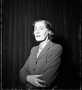 22/1/1954<br /> 1/22/1954<br /> 22 January 1954<br /> <br /> Mrs Denis Odea Nee Siobhan Mckenna