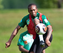 21.05.2010, Dolomitenstadion, Lienz, AUT, WM Vorbereitung, Kamerun Training im Bild Gaetan Bong, Abwehr, Nationalteam Kamerun (Valenciennes), EXPA Pictures © 2010, PhotoCredit: EXPA/ J. Feichter / SPORTIDA PHOTO AGENCY