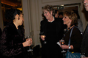 Andrea Levy, Germaine Greer and Paula Rego. South Bank Show Awards, The Savoy Hotel. London. 27 January 2005. ONE TIME USE ONLY - DO NOT ARCHIVE  © Copyright Photograph by Dafydd Jones 66 Stockwell Park Rd. London SW9 0DA Tel 020 7733 0108 www.dafjones.com