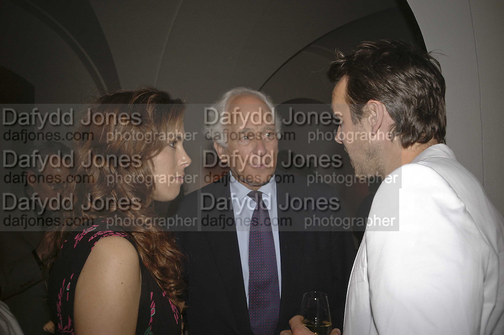 Jessica de rothschild, Sir Evelyn de Rothschild and Alisdhair Willis. VIP opening of Bill Viola exhibition Love/Death: The Tristan project. Haunch of Venison, St Olave's College, Tooley St. London and Dinner afterwards at Banqueting House. Whitehall. 19 June 2006. ONE TIME USE ONLY - DO NOT ARCHIVE  © Copyright Photograph by Dafydd Jones 66 Stockwell Park Rd. London SW9 0DA Tel 020 7733 0108 www.dafjones.com