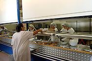 Roma 12 Agosto 2005.<br /> Caritas, Mensa Colle Oppio
