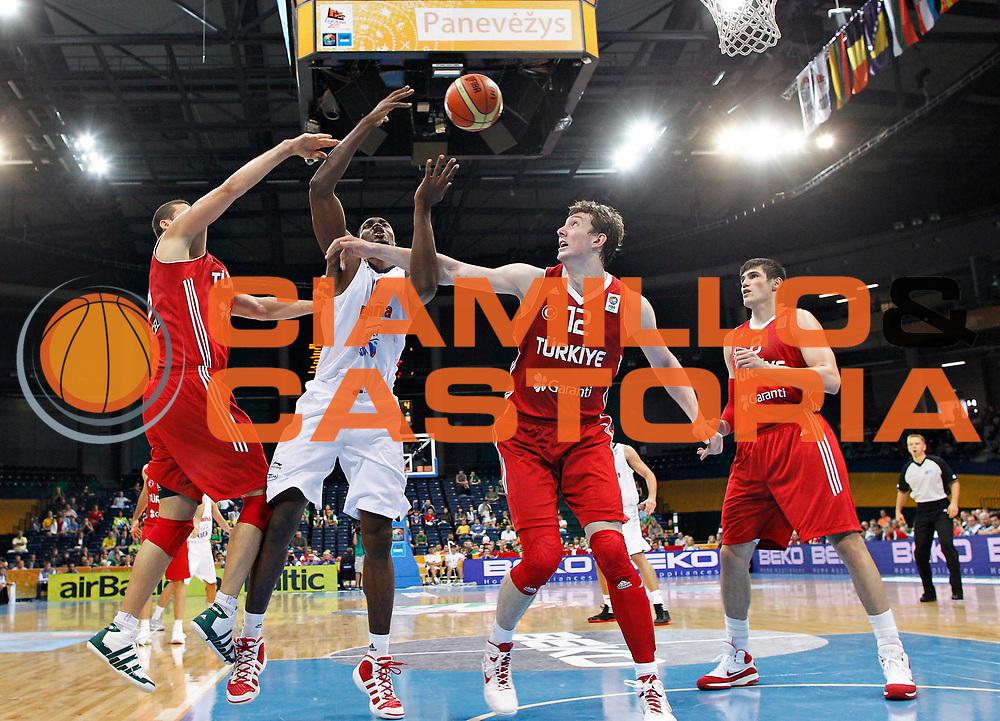 DESCRIZIONE : Panevezys Lithuania Lituania Eurobasket Men 2011 Preliminary Round Spagna Turchia Spain Turkey<br /> GIOCATORE : Serge Ibaka<br /> SQUADRA : Spagna Spain<br /> EVENTO : Eurobasket Men 2011<br /> GARA : Spagna Turchia Spain Turkey<br /> DATA : 05/09/2011 <br /> CATEGORIA : fallo foul<br /> SPORT : Pallacanestro <br /> AUTORE : Agenzia Ciamillo-Castoria/L.Kulbis<br /> Galleria : Eurobasket Men 2011 <br /> Fotonotizia : Panevezys Lithuania Lituania Eurobasket Men 2011 Preliminary Round Spagna Turchia Spain Turkey<br /> Predefinita :