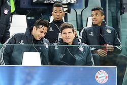 10.04.2013, Juventus Stadium, Turin, ITA, UEFA Champions League, Juventus Turin vs FC Bayern Muenchen, Viertelfinale, Rueckspiel, im Bild Auf der Ersatzbank von Links Claudio PIZZARRO #14 (FC Bayern Muenchen), Jerome BOATENG #17 (FC Bayern Muenchen), Mario GOMEZ #33 (FC Bayern Muenchen) und LUIZ GUSTAVO #30 (FC Bayern Muenchen) // during the UEFA Champions League best of eight 2nd leg match between Juventus FC and FC Bayern Munich at the Juventus Stadium, Torino, Italy on 2013/04/10. EXPA Pictures © 2013, PhotoCredit: EXPA/ Eibner/ Kolbert..***** ATTENTION - OUT OF GER *****