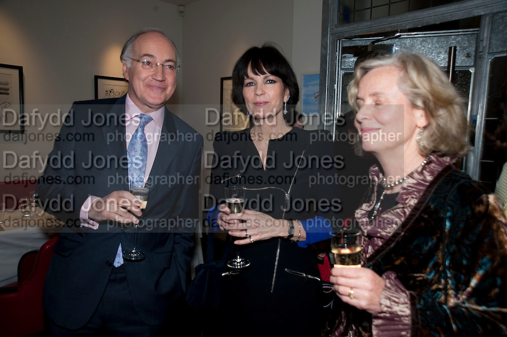 MICHAEL HOWARD; LOUISE PATTEN; CAROLINE CHICHESTER-CLARK, Literary charity First Story fundraising dinner. Cafe Anglais. London. 10 May 2010. *** Local Caption *** -DO NOT ARCHIVE-© Copyright Photograph by Dafydd Jones. 248 Clapham Rd. London SW9 0PZ. Tel 0207 820 0771. www.dafjones.com.<br /> MICHAEL HOWARD; LOUISE PATTEN; CAROLINE CHICHESTER-CLARK, Literary charity First Story fundraising dinner. Cafe Anglais. London. 10 May 2010.