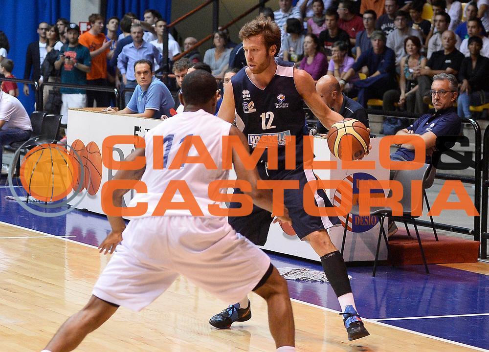 DESCRIZIONE : Desio Lega A 2013-14 Trofeo Lombardia Lenovo Cantu'-Centrale del Latte Brescia<br /> GIOCATORE : Robert Fultz<br /> CATEGORIA : palleggio<br /> SQUADRA : Centrale del Latte Brescia<br /> EVENTO : Trofeo Lombardia<br /> GARA : Lenovo Cantu'-Centrale del Latte Brescia<br /> DATA : 28/09/2013<br /> SPORT : Pallacanestro <br /> AUTORE : Agenzia Ciamillo-Castoria/R.Morgano<br /> Galleria : Lega Basket A 2013-2014  <br /> Fotonotizia : Desio Lega A 2013-14 Trofeo Lombardia Lenovo Cantu'-Centrale del Latte Brescia<br /> Predefinita :