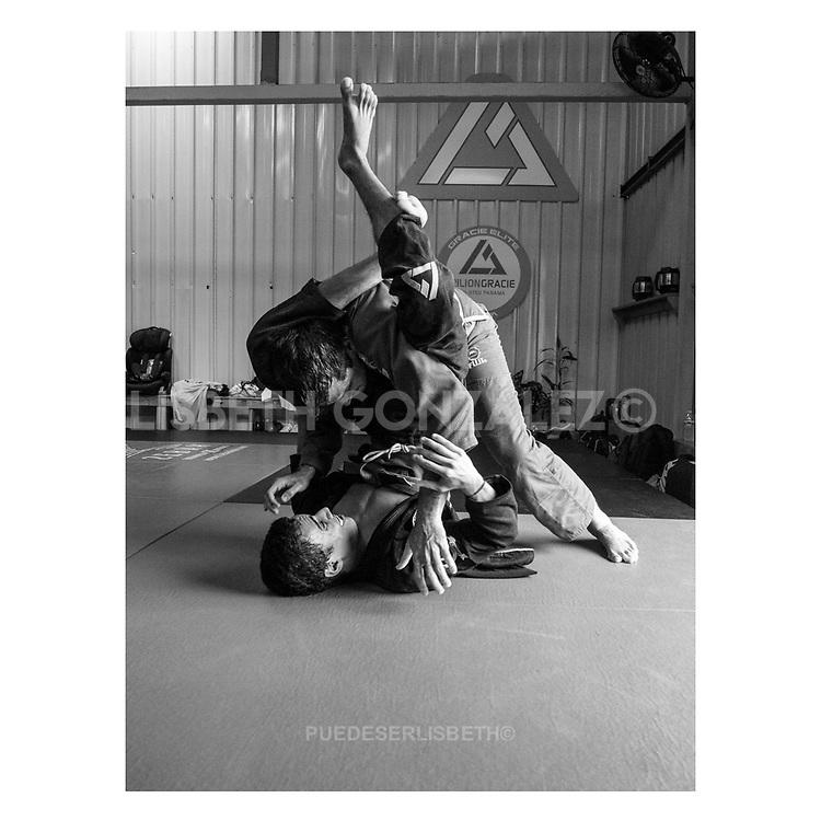 "Jiu-jitsu apprentices on mid day session tought by master Guillermo ""Gordo"" González, jiu-jitsu black belt and official Tacfit instructor in Rilion Gracie HQ Panama."