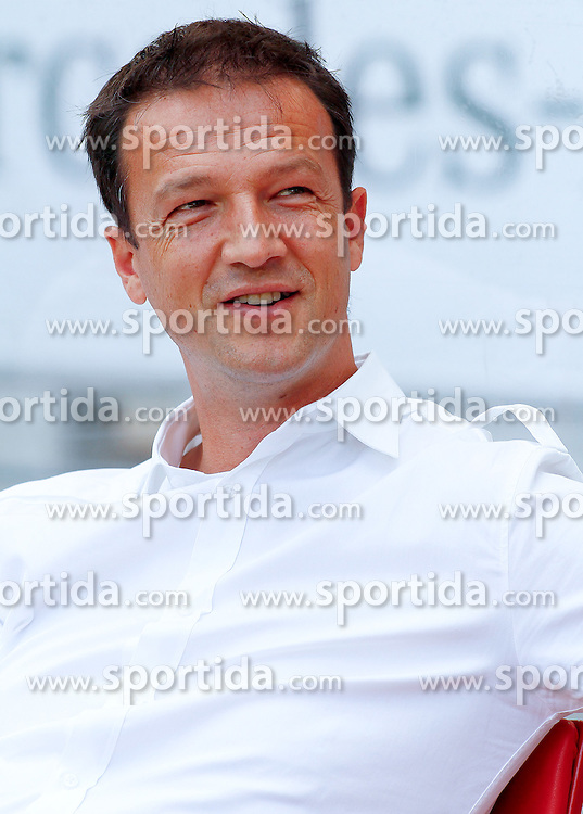 20.08.2011, Mercedes-Benz Arena, Stuttgart, GER, 1.FBL, VfB Stuttgart vs Bayer Leverkusen, Fredi BOBIC, Sportdirektor VfB Stuttgart, Portrait..// during the match from GER, 1.FBL, VfB Stuttgart vs Bayer Leverkusen on 2011/08/20,  Mercedes-Benz Arena, Stuttgart, Germany..EXPA Pictures © 2011, PhotoCredit: EXPA/ nph/  A.Huber       ****** out of GER / CRO  / BEL ******