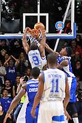 DESCRIZIONE : Brindisi  Lega A 2014-15 Dinamo Banco di Sardegna Sassari - Acqua Vitasnella Cantù<br /> GIOCATORE : Shane Lawal<br /> CATEGORIA : Schiacciata<br /> SQUADRA : Dinamo Banco di Sardegna Sassari<br /> EVENTO : Lega A 2014-2015<br /> GARA : Dinamo Banco di Sardegna Sassari - Acqua Vitasnella<br /> DATA : 28/02/2015<br /> SPORT : Pallacanestro<br /> AUTORE : Agenzia Ciamillo-Castoria/C.Atzori<br /> Galleria : Lega Basket A 2014-2015<br /> Fotonotizia : Dinamo Banco di Sardegna Sassari - Acqua Vitasnella<br /> Predefinita :