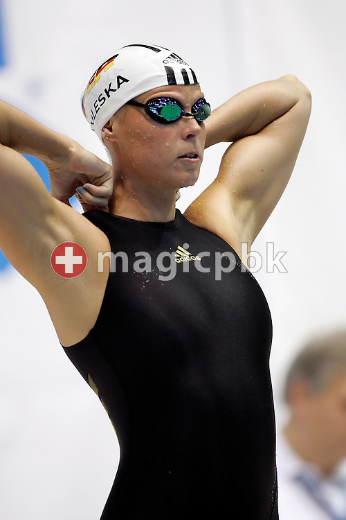 Anne POLESKA of Germany prepares herself before competing in the women's 200m breaststroke final in the Schwimm- und Sprunghalle Europa Sportpark at the Fina Swimming World Cup in Berlin, Germany, Saturday 17 November 2007. (Photo by Patrick B. Kraemer / MAGICPBK)