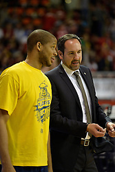 31.05.2014, Audi Dome, Muenchen, GER, Beko Basketball BL, FC Bayern Muenchen Basketball vs EWE Baskets Oldenburg, Halbfinale, im Bild Travon Bryant (EWE Baskets Oldenburg), Sebastian Machowski, Trainer (EWE Baskets Oldenburg), v.li. // during the Beko Basketball Bundes league semifinal match between FC Bayern Munich Basketball and EWE Baskets Oldenburg at the Audi Dome in Muenchen, Germany on 2014/05/31. EXPA Pictures © 2014, PhotoCredit: EXPA/ Eibner-Pressefoto/ Buthmann<br /> <br /> *****ATTENTION - OUT of GER*****