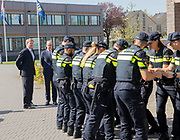 Koning Willem-Alexander brengt een werkbezoek aan de Politieacademie voor een korte kennismaking met de onderwijspraktijk. <br /> <br /> King Willem-Alexander is making a working visit to the Police Academy for a brief introduction to educational practice.