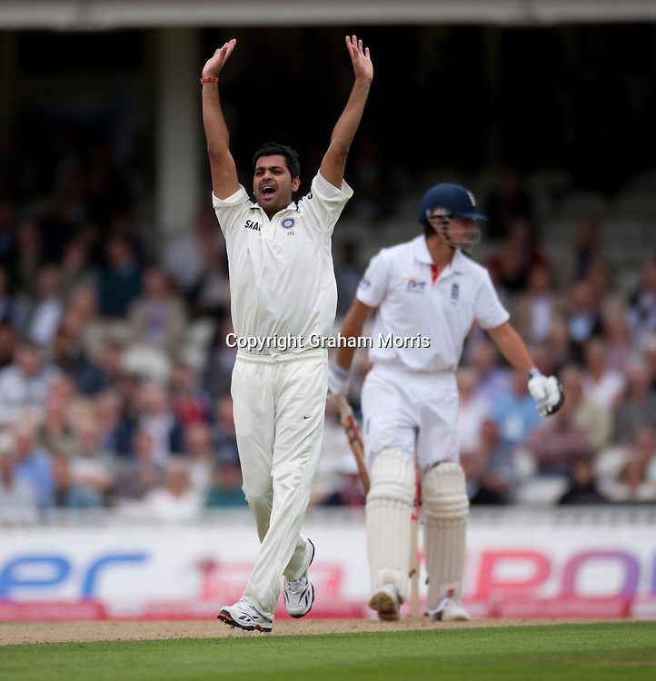 Bowler RP Singh appeals but Alastair Cook is not out during the fourth and final npower Test Match between England and India at the Oval, London.  Photo: Graham Morris (Tel: +44(0)20 8969 4192 Email: sales@cricketpix.com) 18/08/11
