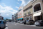 Cororando es un area de playa que en los ultimos años ha tenido un gran crecimiento economico gracias al establecimiento de muchos comercios.  Panama, 1 de octubre de 2012. (Victoria Murillo/Istmophoto)