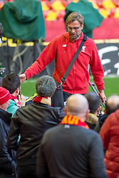 14.04.2016, Anfield Road, Liverpool, ENG, UEFA EL, FC Liverpool vs Borussia Dortmund, Viertelfinale, Rueckspiel, im Bild Trainer Juergen Klopp (FC Liverpool) wird von den Fans bei der Ankunft im Stadion // during the UEFA Europa League Quaterfinal, 2nd Leg match between FC Liverpool vs Borussia Dortmund at the Anfield Road in Liverpool, Great Britain on 2016/04/14. EXPA Pictures &copy; 2016, PhotoCredit: EXPA/ Eibner-Pressefoto/ Schueler<br /> <br /> *****ATTENTION - OUT of GER*****