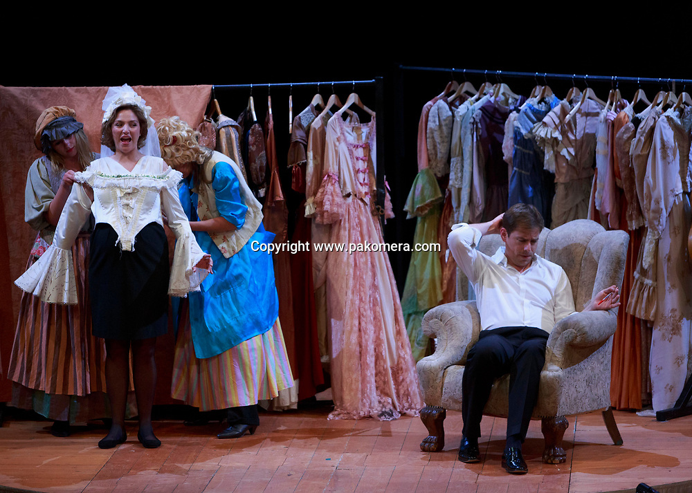 Edinburgh. UK. 12th August. Photo call The Marriage of Figaro rehearsal on stage Festival Theatre during Edinburgh International Festival. Ivan Fisher conductor and director. Pako Mera/Alamy Live News.