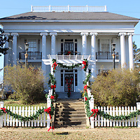 RAY VAN DUSEN/BUY AT PHOTOS.MONROECOUNTYJOURNAL.COM<br /> The Riverview Garden Club seleced the Adams-French House, the home of Dwight Stevens, for its December yard of the month.