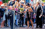 3-10-2016 UTRECHT - King Willem-Alexander and Queen Maxima open Monday October 3 the exhibition &quot;Mapping Australia 'in the Aboriginal Art Museum (AAMU) in Utrecht. The Royal Couple will visit the exhibition in preparation for the state visit to Australia and New Zealand that take place in late October and early November. COPYRIGHT ROBIN UTRECHT<br /> 3-10-2016  UTRECHT - Koning Willem-Alexander en Koningin Maxima openen maandagmiddag 3 oktober de tentoonstelling 'Mapping Australia'  in het Aboriginal Art Museum (AAMU) in Utrecht. Het Koninklijk Paar bezoekt de tentoonstelling in aanloop naar de staatsbezoeken aan Australi&euml; en Nieuw-Zeeland die eind oktober en begin november plaatsvinden. UTRECHT - Koning Willem-Alexander en koningin Maxima tijdens de opening van de tentoonstelling Mapping Australia in het Aboriginal Art Museum (AAMU) in Utrecht. Het koningspaar bezoekt de tentoonstelling in aanloop naar de staatsbezoeken aan Australie en Nieuw-Zeeland.  COPYRIGHT ROBIN UTRECHT