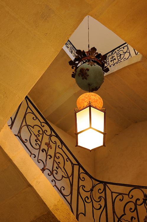 France, Languedoc Roussillon, Gard (30), Uzège, Uzès, Hôtel de la Rochette, l'escalier