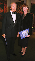 MR & MRS JACKIE STEWART he is the former world champion racing driver, at a dinner in London on 19th May 1999.MSF 37