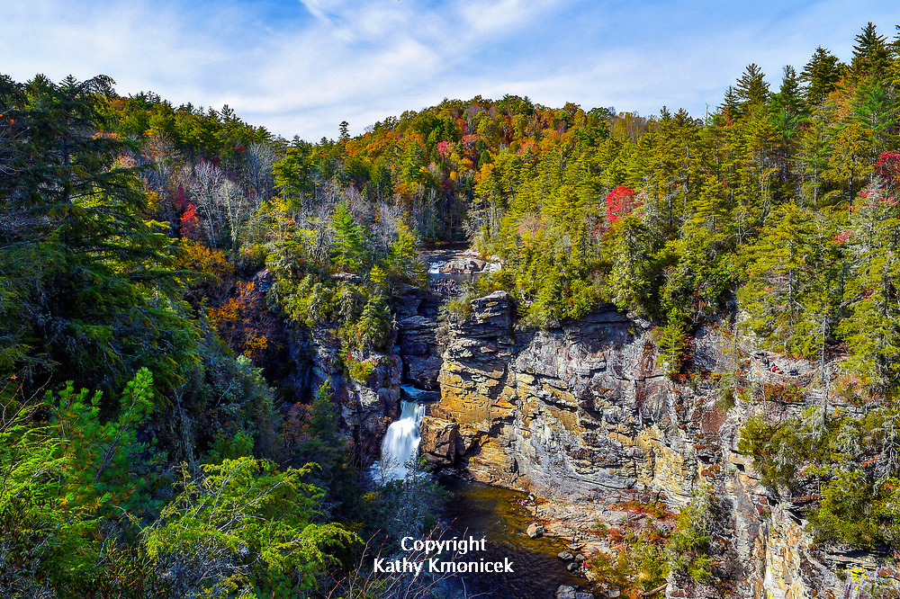 Erwins View Overlook offers a panoramic view of Linville Falls in Linville, North Carolina.<br />