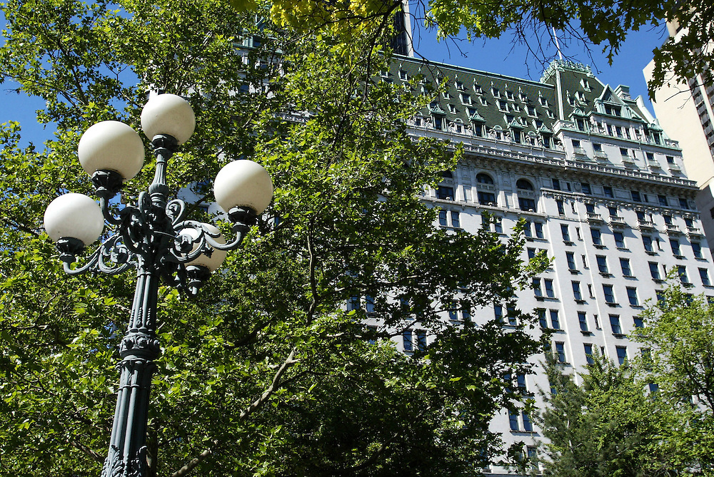 The famous Plaza Hotel in downtown New York opposite Central Park, USA, May 31, 2006. Credit:SNPA / Rob Tucker
