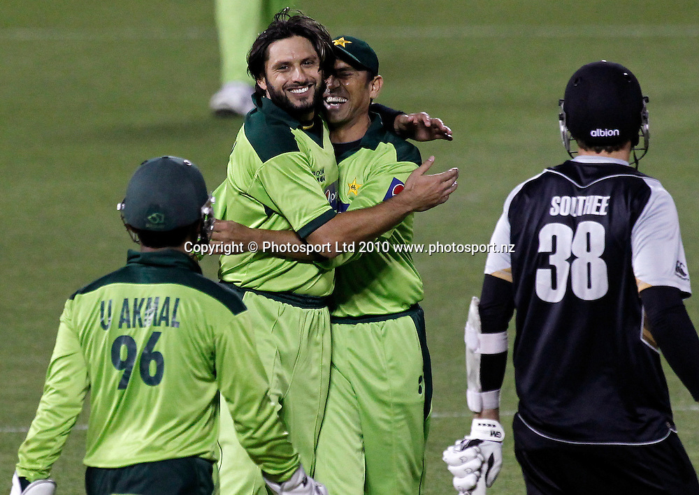 Pakistan captain Shahid Afridi celebrates the wicket of Blackcaps batsman Tim Southee. New Zealand Black Caps v Pakistan, Match 3. Twenty 20 Cricket match at AMI Stadium, Christchurch, New Zealand. Thursday 30 December 2010. Photo: Simon Watts/photosport.co.nz