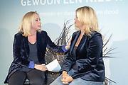 2018, Oktober 23. Soho House, Amsterdam. Boekpresentatie van Dan Neem Je Toch Gewoon Een Nieuwe, van Antoinette Scheulderman. Op de foto: Eva Jinek en  Antoinnette Scheulderman