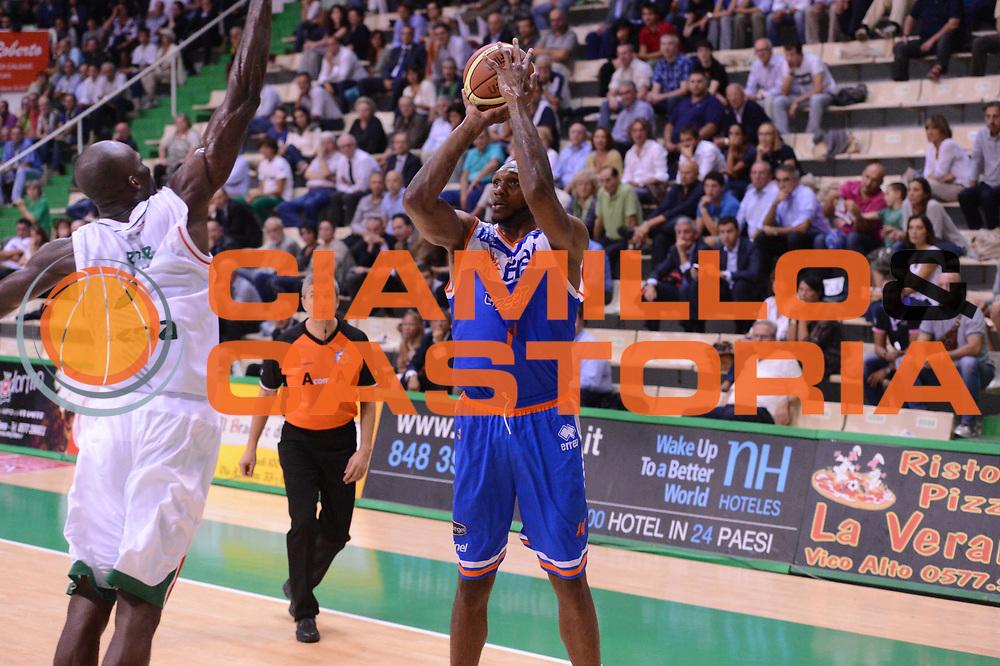 DESCRIZIONE : Siena Lega Basket A 2012-13  Montepaschi Siena Enel Brindisi<br /> GIOCATORE : Cedric Simmons<br /> CATEGORIA : three points<br /> SQUADRA : Enel Brindisi<br /> EVENTO : Campionato Lega A 2012-2013 <br /> GARA : Montepaschi Siena Enel Brindisi<br /> DATA : 26/09/2012<br /> SPORT : Pallacanestro  <br /> AUTORE : Agenzia Ciamillo-Castoria/ GiulioCiamillo<br /> Galleria : Lega Basket A 2012-2013  <br /> Fotonotizia : Siena Lega Basket A 2012-13 Montepaschi Siena Enel Brindisi<br /> Predefinita :
