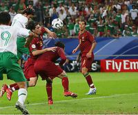 2:1 Tor Torschuetze Jose Fonseca ,Tiago, Caneira, Petit Portugal<br /> Fussball WM 2006 Portugal - Mexiko<br /> Mexico<br /> Norway only