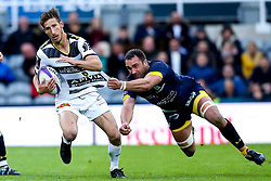 Vincent Rattez of La Rochelle takes on Alexandre Lapandry of ASM Clermont Auvergne - Mandatory by-line: Robbie Stephenson/JMP - 10/05/2019 - RUGBY - St James' Park - Newcastle, England - ASM Clermont Auvergne v La Rochelle - European Rugby Challenge Cup Final