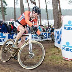 31-01-2016: Wielrennen: WK cyclecross elite: Heusden ZolderHEUSDEN-ZOLDER (BEL) cyclocrossOp het circuit van Terlamen-Zolder streden de elite veldrijders om de mondiale titels in het veld. <br />  David van der Poel