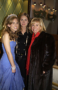 Lauren and Ashley Bush and their mother Sharon Bush, The 2005 Crillon Debutante Ball. Crillon Hotel, Paris. 26  November 2005. ONE TIME USE ONLY - DO NOT ARCHIVE  © Copyright Photograph by Dafydd Jones 66 Stockwell Park Rd. London SW9 0DA Tel 020 7733 0108 www.dafjones.com