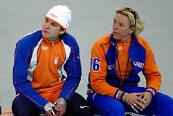 13-02-2006 SCHAATSEN: OLYMPISCHE WINTERSPELEN: 500 METER HEREN: TORINO<br /> 500 meter sprint man - Jan Bos en Ingrid Paul<br /> ©2006-WWW.FOTOHOOGENDOORN.NL *** Local Caption ***