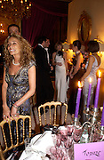 Ann Dexter Jones and Anna Wintour amongst others. .  Crillon 2004 Debutante Ball. Crillon Hotel. Paris. 26 November 2004. ONE TIME USE ONLY - DO NOT ARCHIVE  © Copyright Photograph by Dafydd Jones 66 Stockwell Park Rd. London SW9 0DA Tel 020 7733 0108 www.dafjones.com