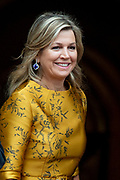 Koningin Maxima komt aan bij het Koninklijk Paleis voor de traditionele nieuwjaarsontvangst voor  Corps Diplomatique en internationale organisaties. <br /> <br /> Queen Maxima arrives at the Royal Palace for traditional New Year's reception for Corps Diplomatique and international organizations.