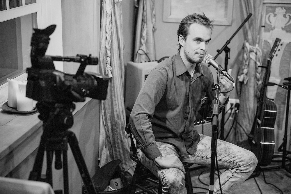 NEW PALTZ, NY - OCTOBER 20: American singer-songwriter duo Peter Broderick and Heather Woods Broderick perform at Tin Roof Sessions on October 20, 2013 in New Paltz, New York. (PHOTO CREDIT: Eric M. Townsend for Tin Roof Sessions)