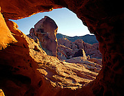 AA0202-03...NEVADA - Small rock arch in Valley of Fire State Park.