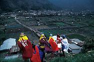 Guatemala. Easter celebrations   /  Judas race in   Zunil  Guatemala       /   Paques la semaine sainte   /  course des Judas ?  Zunil  Guatemala    /  R00009/19    L0007337  /  R00009  /  P0004118