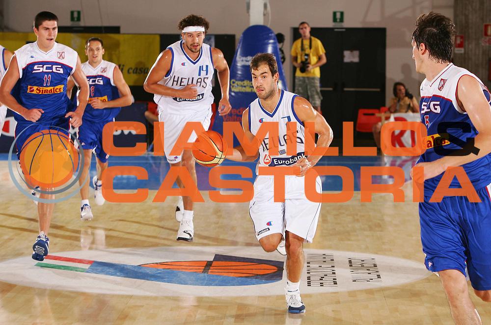 DESCRIZIONE : Bormio Trofeo Internazionale Diego Gianatti Grecia Serbia <br /> GIOCATORE : Spanoulis <br /> SQUADRA : Grecia <br /> EVENTO : Bormio Trofeo Internazionale Diego Gianatti <br /> GARA : Grecia Serbia <br /> DATA : 21/07/2006 <br /> CATEGORIA : Palleggio <br /> SPORT : Pallacanestro <br /> AUTORE : Agenzia Ciamillo-Castoria/S.Silvestri <br /> Galleria : FIP Nazionale Italiana <br /> Fotonotizia : Bormio Trofeo Internazionale Diego Gianatti Grecia Serbia <br /> Predefinita :